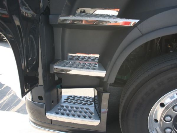 Volvo FH4 2013 Step & Exterior Protection Kit
