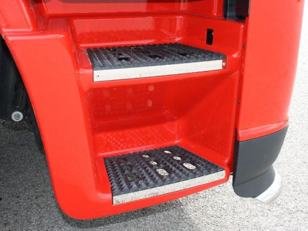 Iveco Stralis Hi-way Step Protection Kit